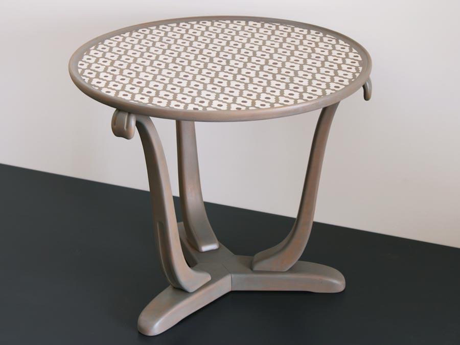 tisch und stuhl altrimenti. Black Bedroom Furniture Sets. Home Design Ideas